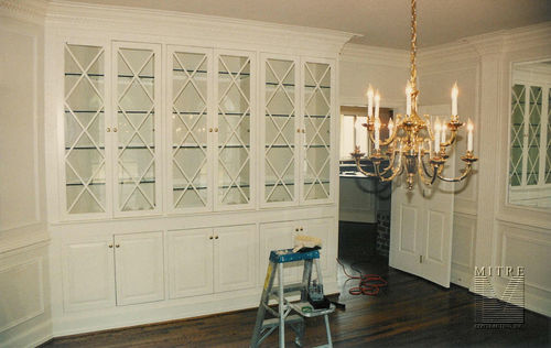 Dining room Built-Ins with glass doors & shelves.