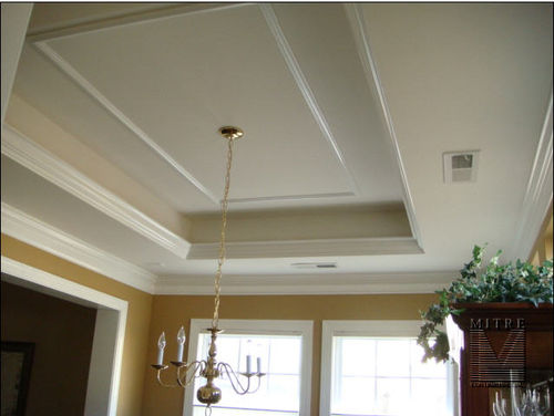 Dining Room Tray ceiling with mouldings