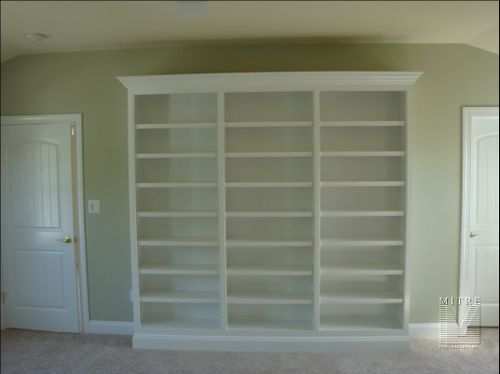 Guest Room Built-In Bookcase Cabinetry