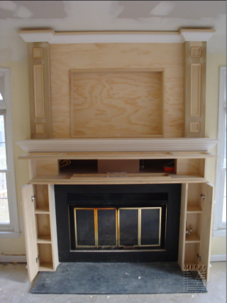 Mantel-OverMantel showing storage
