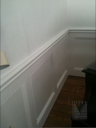 Wainscot - Flat wall paneled style