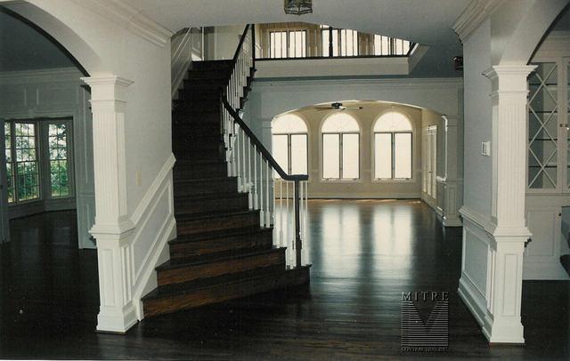 GH - Foyer to Family Room