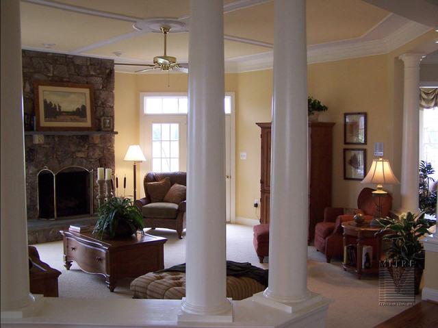 Ceiling Trim in Family Room