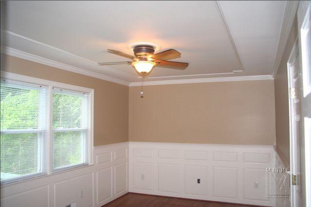 Ceiling treatments bedroom ceiling mouldings for Raised bedroom ceiling